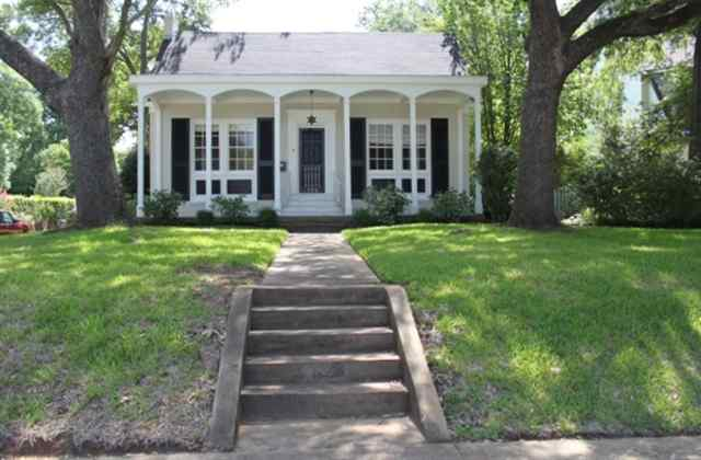Homes for sale in tyler texas check out this historical for Home builders in tyler texas